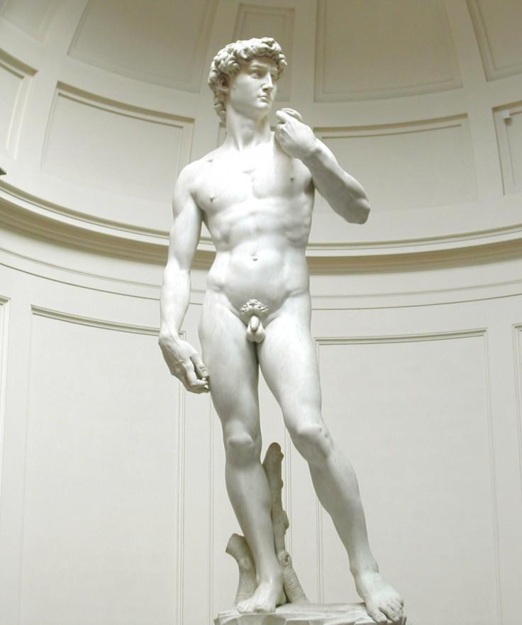 Michelangelos_David