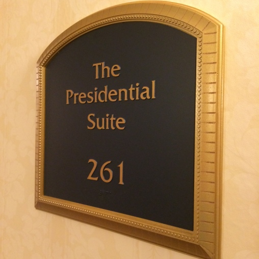 Oil and Marble Presidential Suite